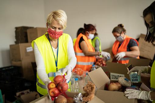 """Coldiretti: """"Sale a oltre 5,5 mln di kg il cibo donato ai poveri"""""""